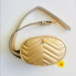 Handbags - ❤️ ⭐️CLEARANCE❤️ ⭐️ QuiltedGold Fanny bag